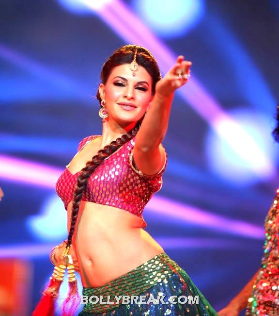 Jacqueline fernandez Hot Navel show Wallpaper - HQ - Jacqueline fernandez Super Hot Navel Wallpaper