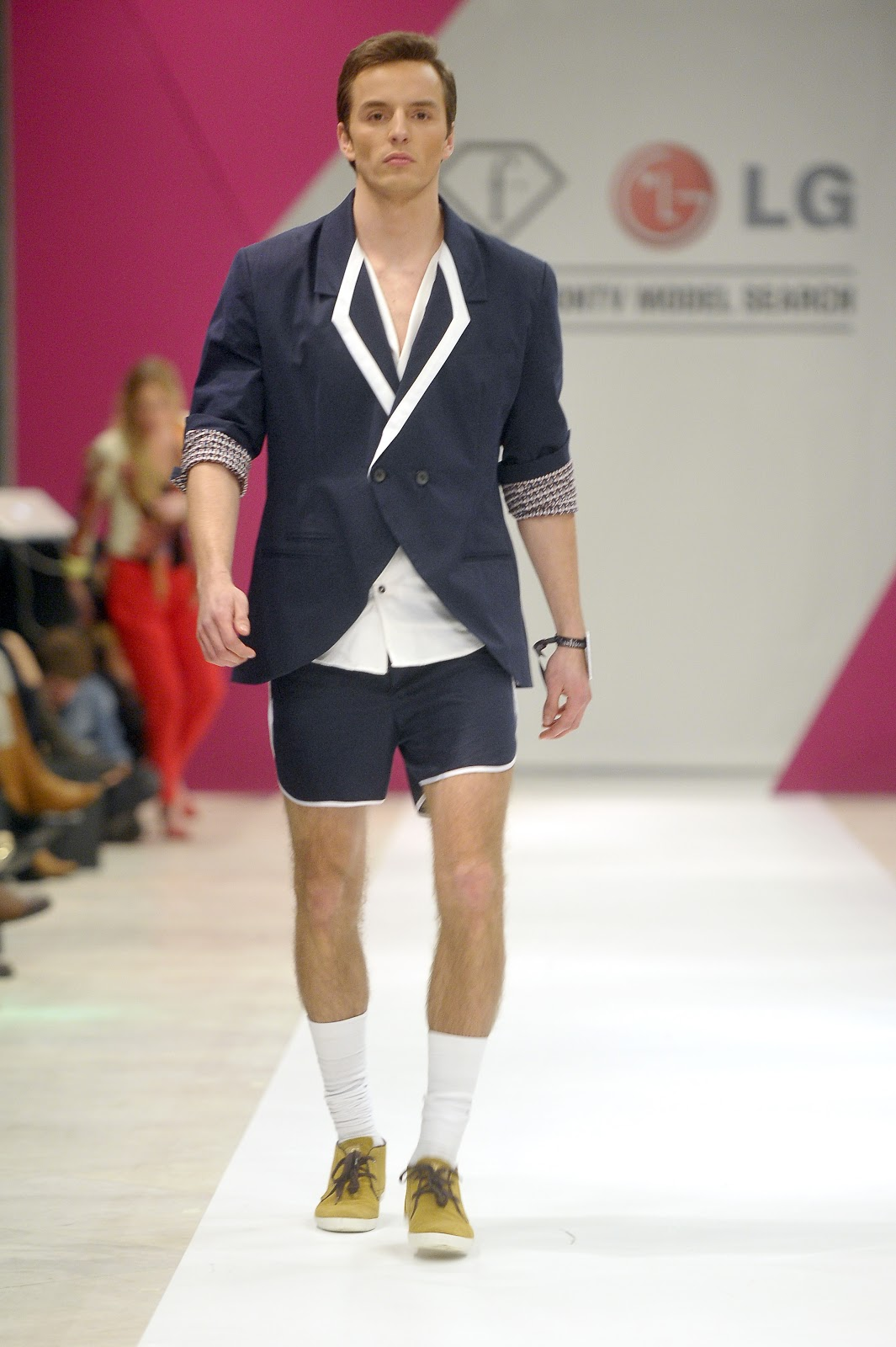akpa20130130_lg_fashion_tv_2373.jpg