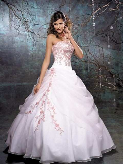 AtUrBest Special Events: Spring Wedding Gowns