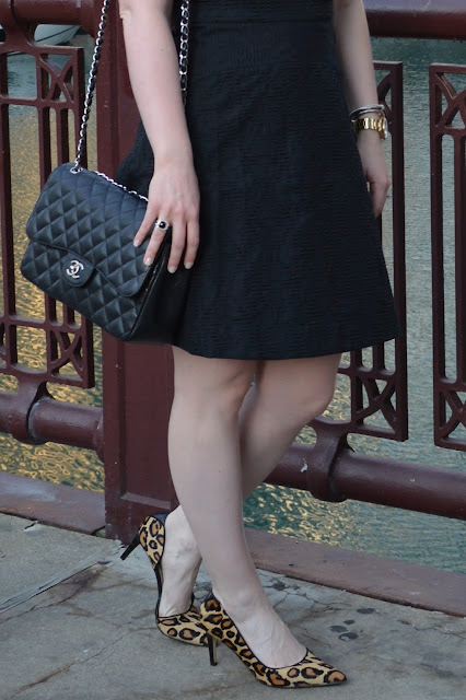 black-chanel-handbag