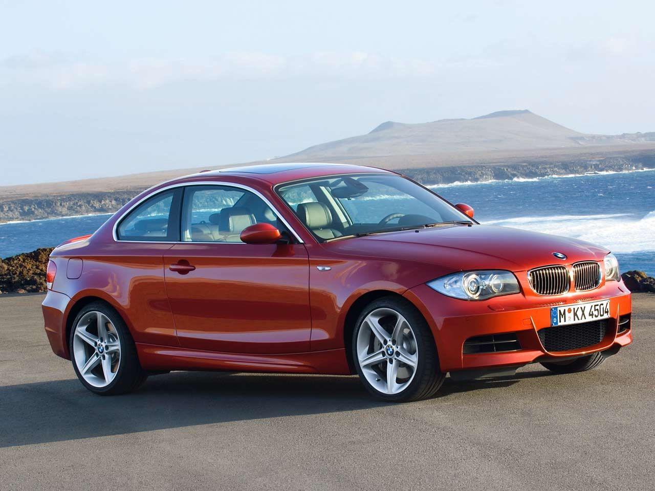 bmw 135i wallpapers cars wallpapers and pictures car. Black Bedroom Furniture Sets. Home Design Ideas