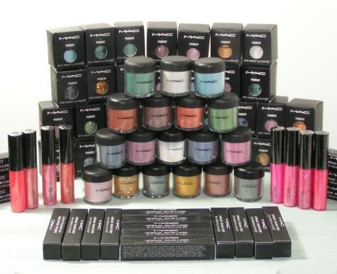 Yes! I would like to receive MAC Cosmetics marketing emails to enjoy the latest looks and launches, tips, trends, special offers and more. By checking this box, you accept that your e-mail address will be used to send you marketing newsletters and information about MAC Cosmetics products, events and offers.