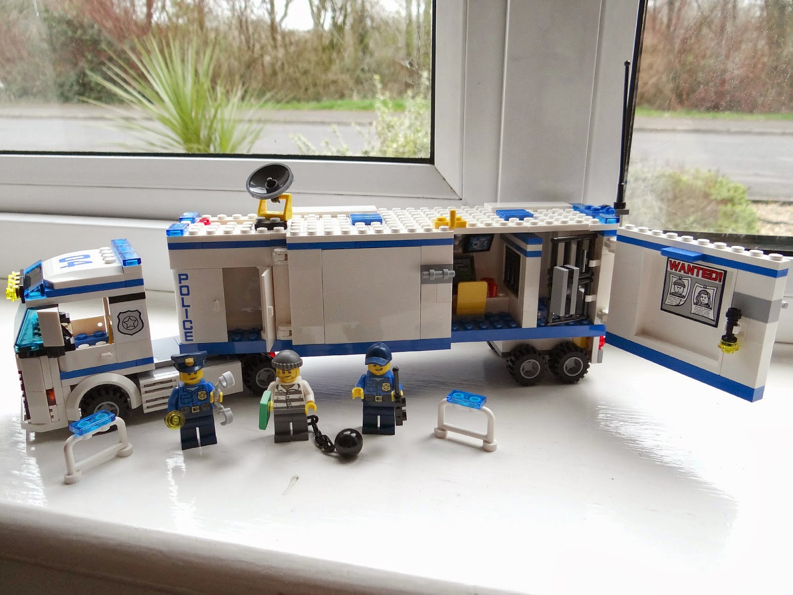 LEGO Spring 2014, LEGO City Mobile Police Unit, LEGO City Police