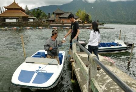 wisata bali danau beratan bedugul