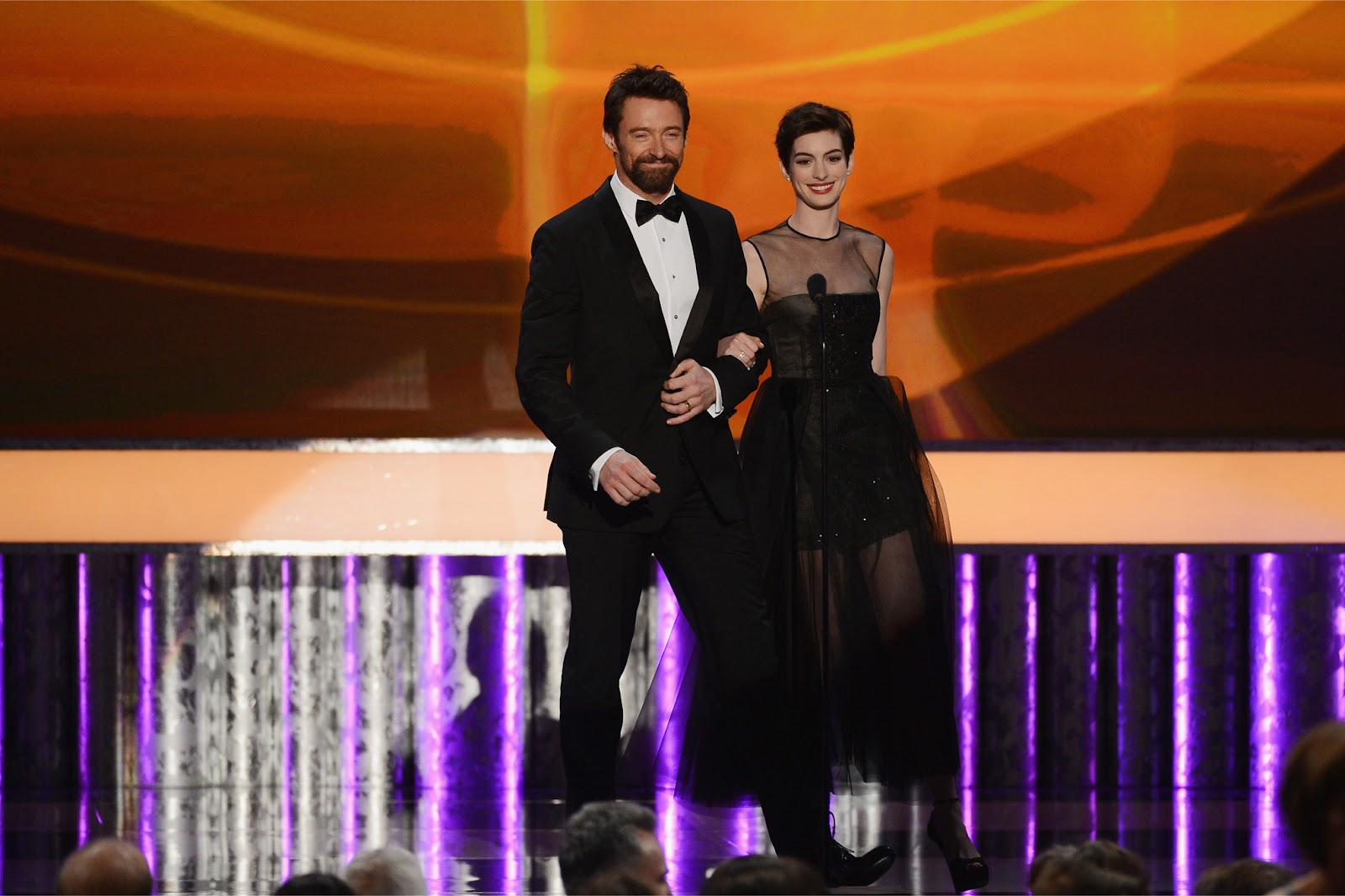 http://3.bp.blogspot.com/-Ryed5nM_4RY/UQZ6CNlG6JI/AAAAAAABTEQ/BhNEqxfvno8/s1600/Anne_Hathaway-Hugh_Jackman-19th_Annual_Screen_Actors_Guild_Awards-1_27_2013-002.jpg