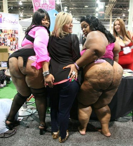 Big booty white lesbians
