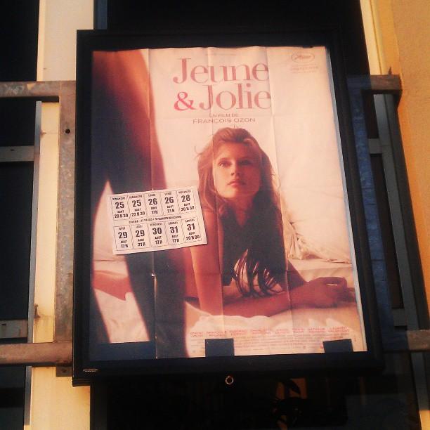 Jeune et jolie de François Ozon affiche cinéma