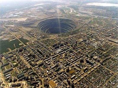 SIBERIA Dahsyatnya 8 Lubang Besar di Bumi ini