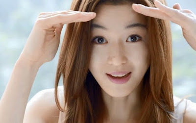 jun ji hyun 10 Artis Korea Selatan Paling Cantik dan Populer