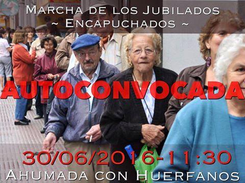 SANTIAGO: MARCHA DE LOS JUBILADOS ENCAPUCHADOS