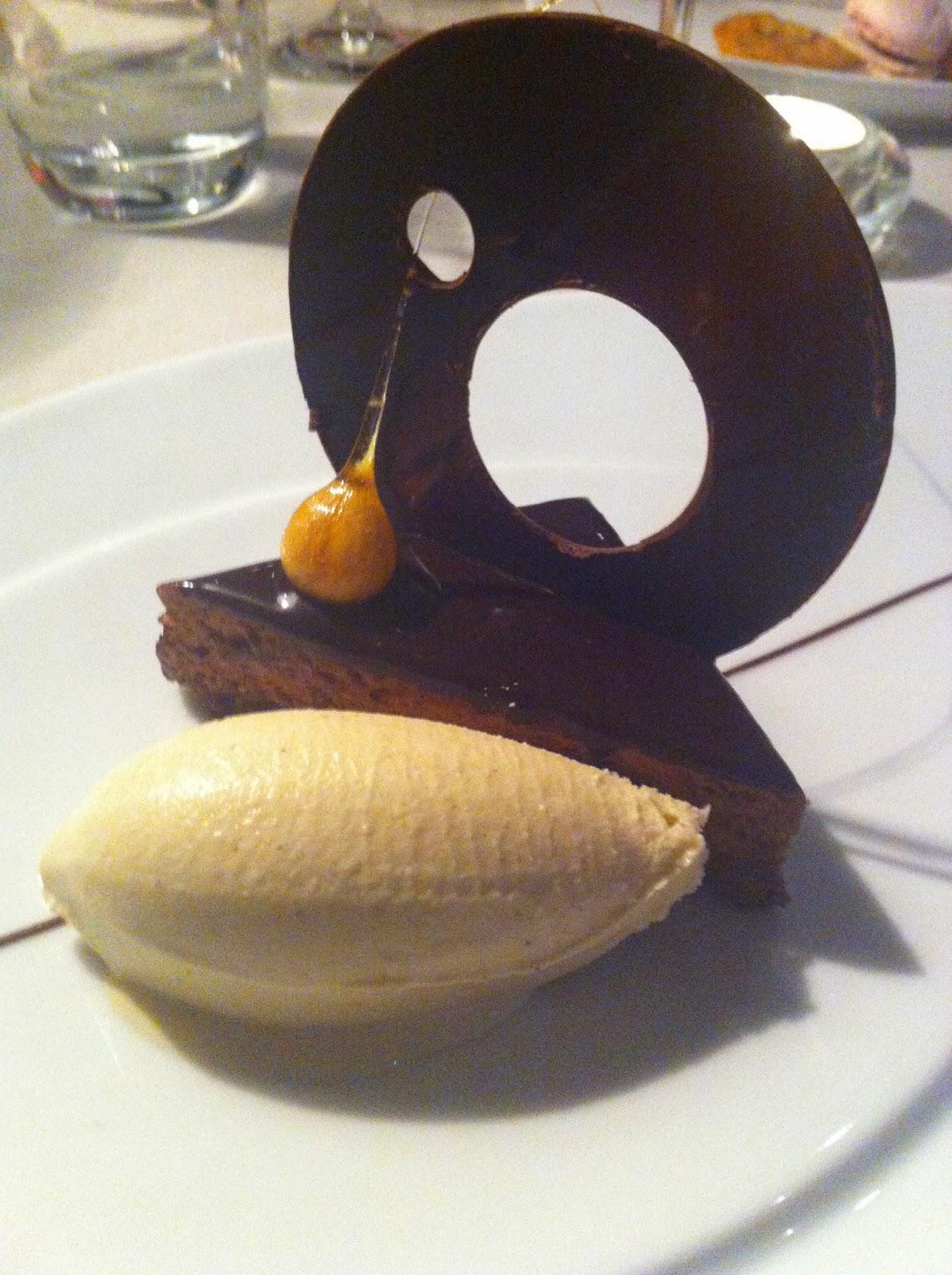 Schokolade Zum Dessert Gehört Irgendwie Für Mich Zu Den Sinnlichsten  Momenten Eines Menüs. Ein Perfekter Abschluss Eines Vorzüglichen Menüs.