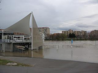Embarcadero de Vadorrey Crecida del río Ebro 22/01/2013 Zaragoza