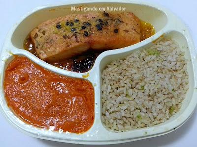 Lebens Alimentos e Bebidas: Salmão ao Molho de Maracujá pronto para o consumo