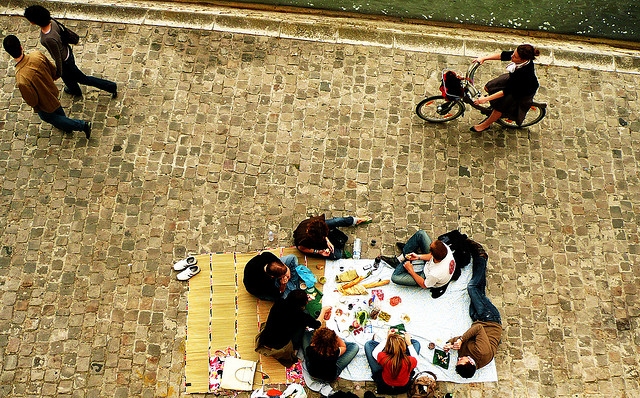 Picnic by the Seine