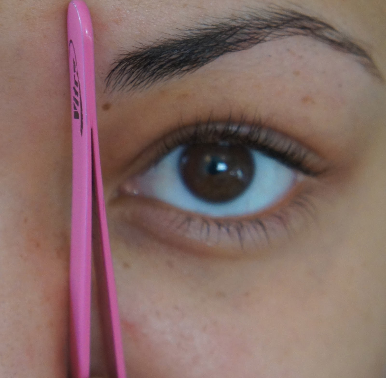 Yolanda G How I Do My Eyebrows