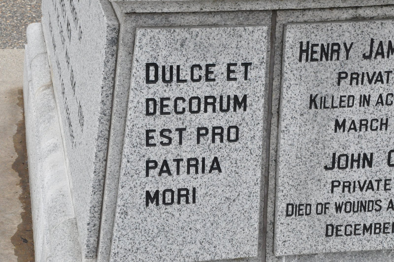 keywords et decorum est and tags to our glorious war dead dulce et decorum est pro patria