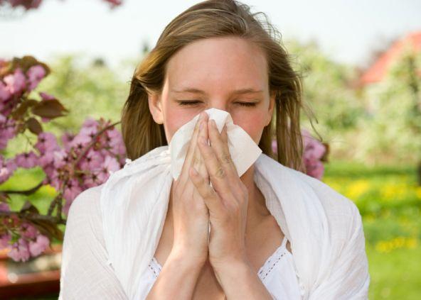 Alergie latem, jak sobie z nimi radzić?