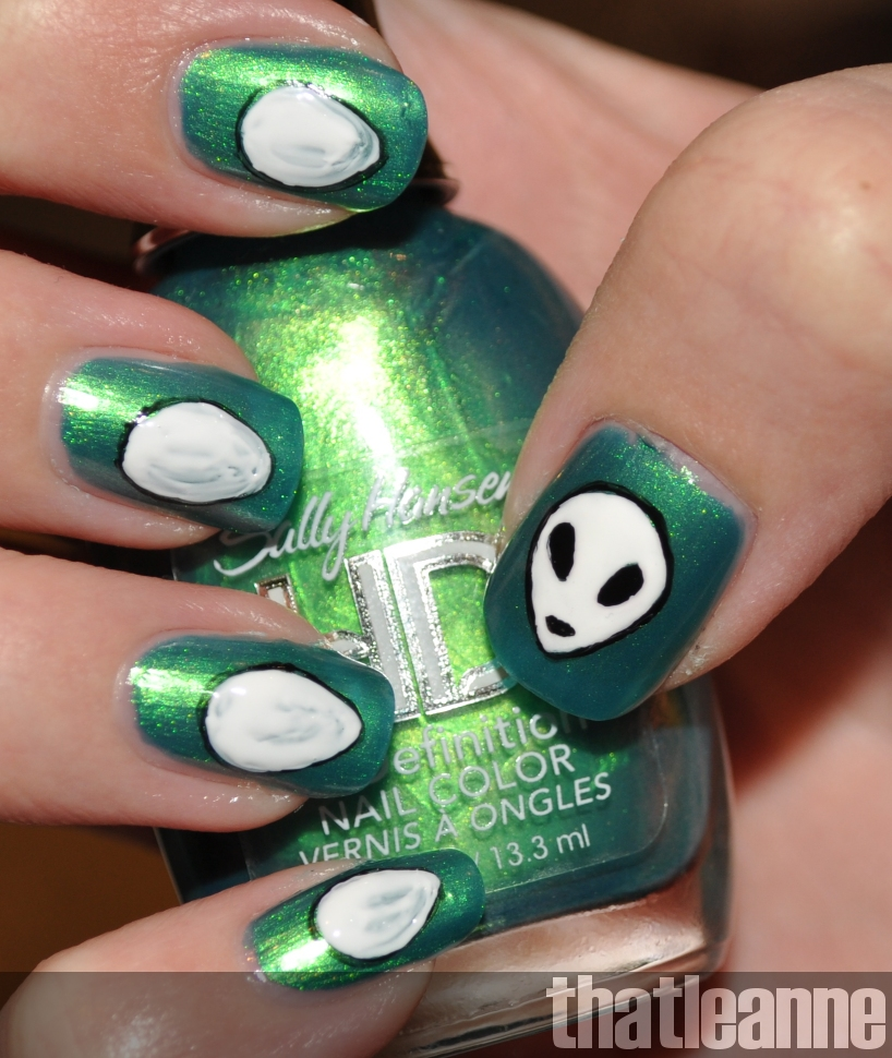 The Truth Is Out There Alien Nail Art Easy Nail Art