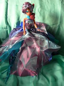 Infanzia trasformata-- 'Decadenza' Barbie da KCs.