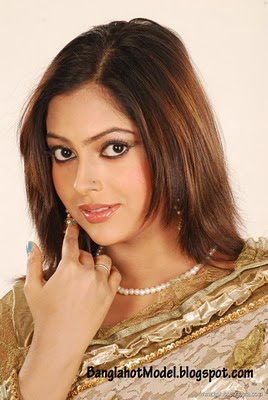 Bangladeshi-actress-Nipun