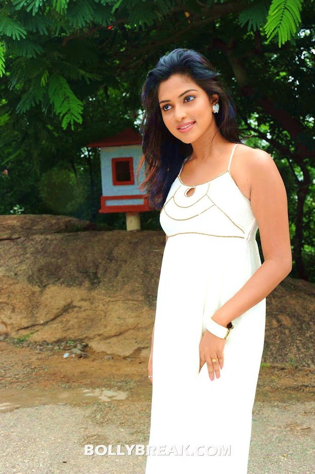 Amala paul dressedin a white maxi dress - Amala Paul white dress Latest photos
