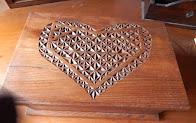 Caja corazón de madera