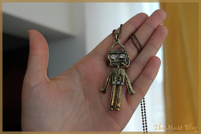 Funny musical note robot necklace with moving head, arms and legs