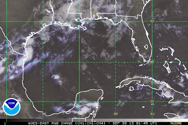 Baja presión, a 990 km al este-sureste de las costas de Quintana Roo