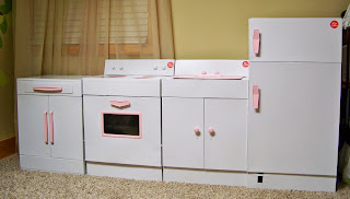little girl vintage kitchen set