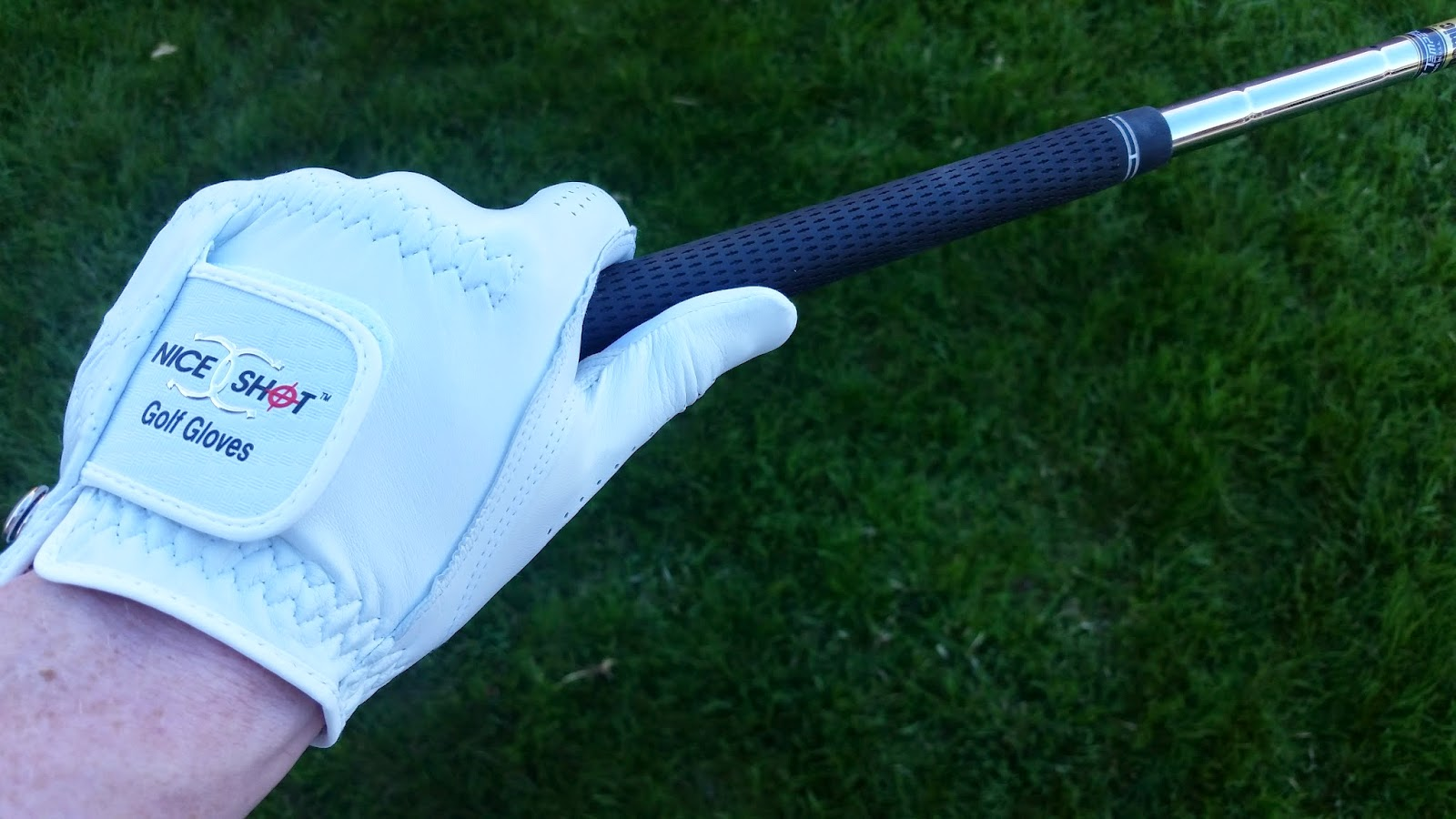 Nice Shot golf glove