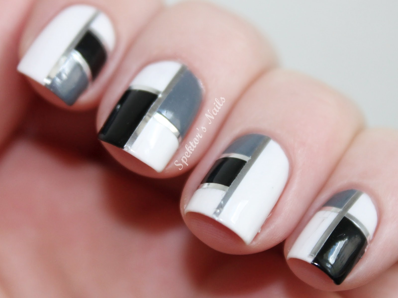 TOP Black & White nail design