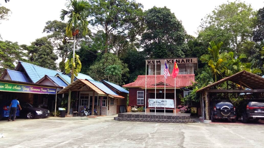 Ceramah Sains PT3 Untuk Pelajar SABK di Kem Kenari Yan