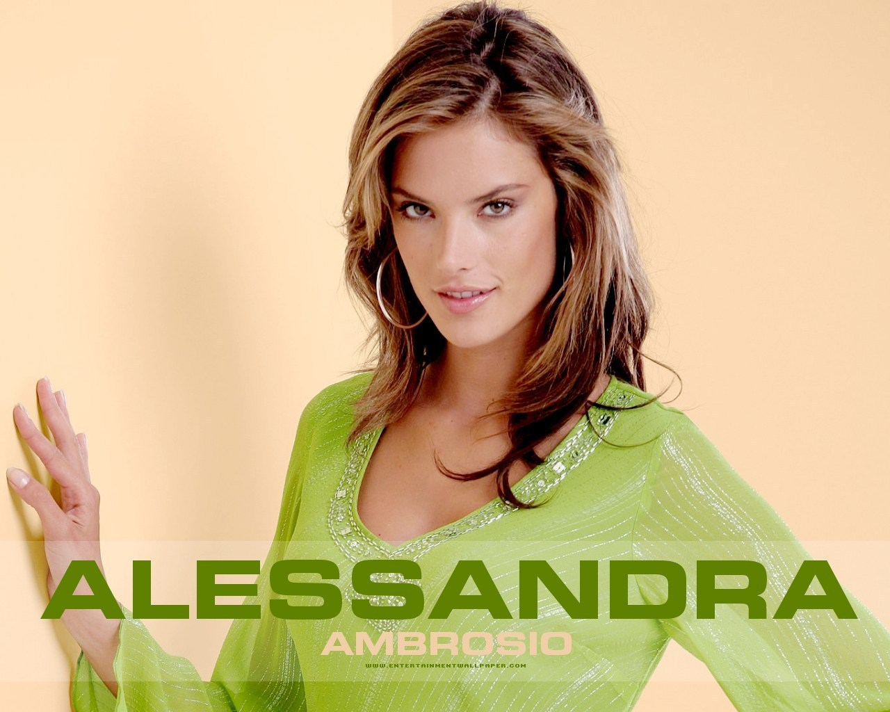 http://3.bp.blogspot.com/-S0qLn9sS16o/Tuj4fbnPrpI/AAAAAAAASUk/nsWY9oSOJ54/s1600/Alessandra-Ambrosio-Wallpapers-Latest-2.jpg
