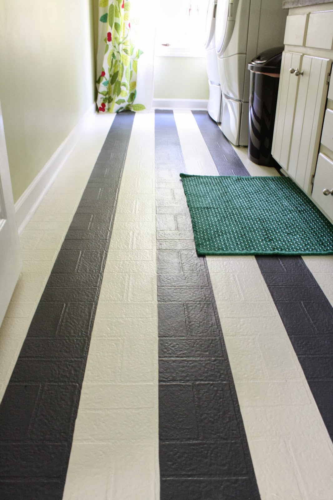 Paint vinyl floors for a whole new look home and garden for Painting kitchen floors vinyl
