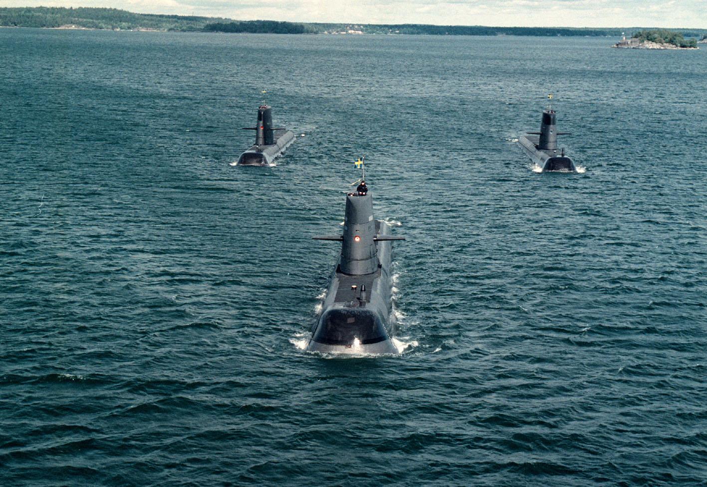 как всплывают и погружаются в воду подводные лодки