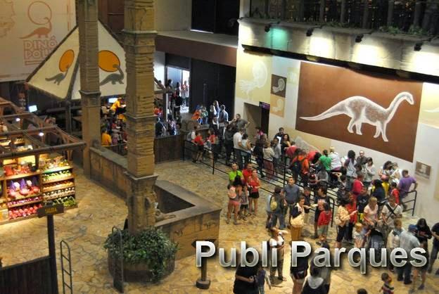Hall de entrada del parque principal Dinópolis Teruel