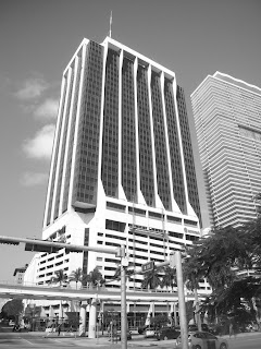 El Imperio Moderno One Biscayne Tower