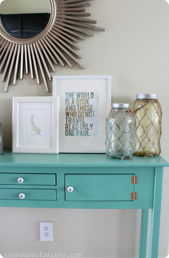 Entryway Table Makeover and Everyday Decor - thehouseofsmiths.com