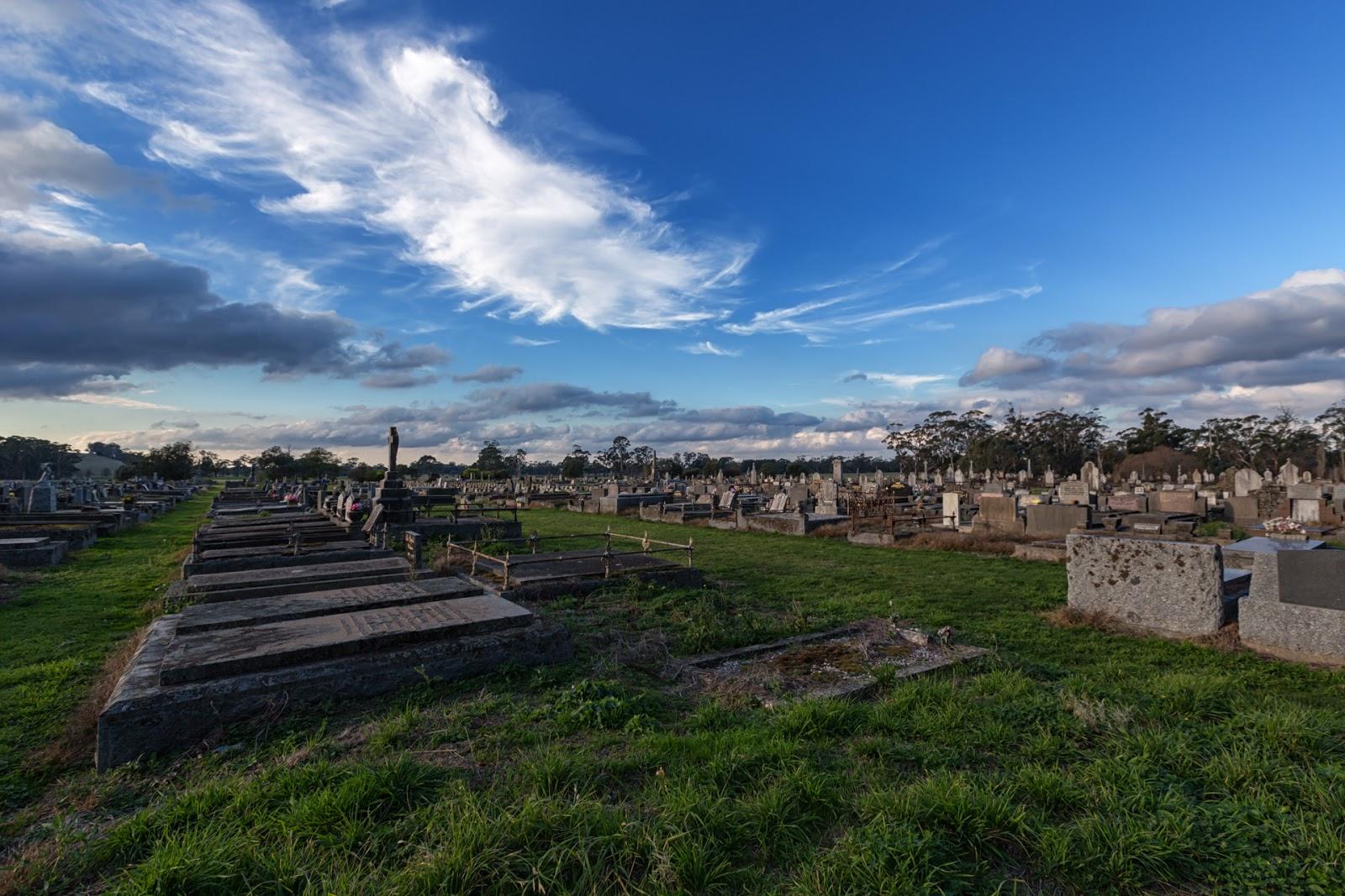 daylesford cemetery