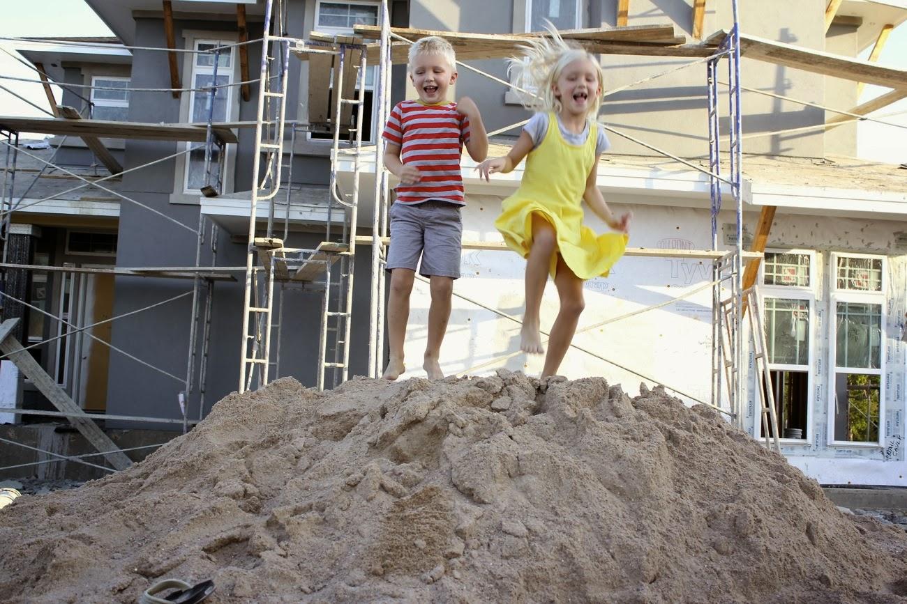 Dana S Test Blog Building A New Home Stucco Shingles And A Pretty Paint Job