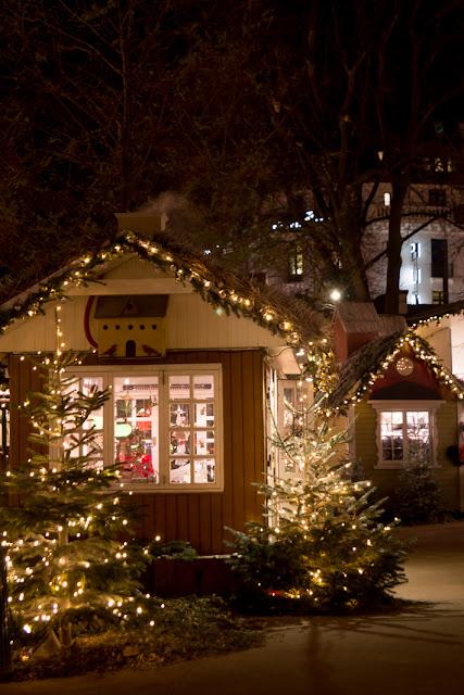 Amalie loves Denmark Tivoli Kopenhagen