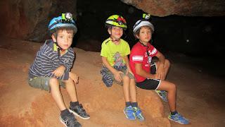 Zapatería infantil zapatos niños y  niñas en las Lagunas de Ruidera