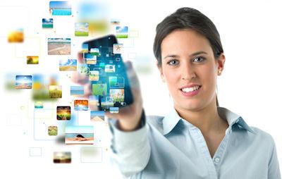 Teléfonos inteligentes y aplicaciones para Internet - business-girl-banner-with-streaming-mobile-phone