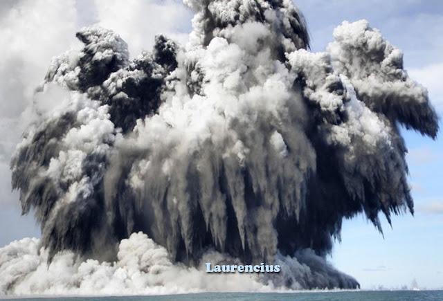 Foto-Letusan-Gunung-Api-Bawah-Laut_1