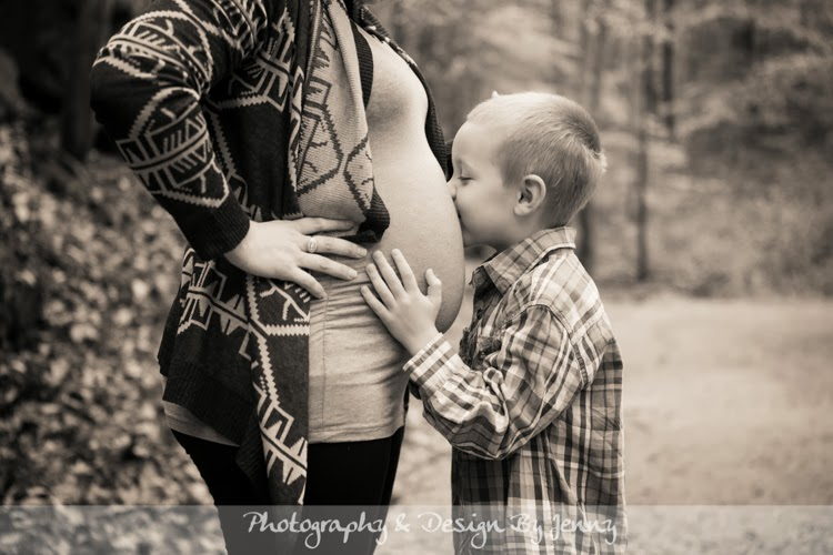 Outside maternity Family Photos Greenville SC