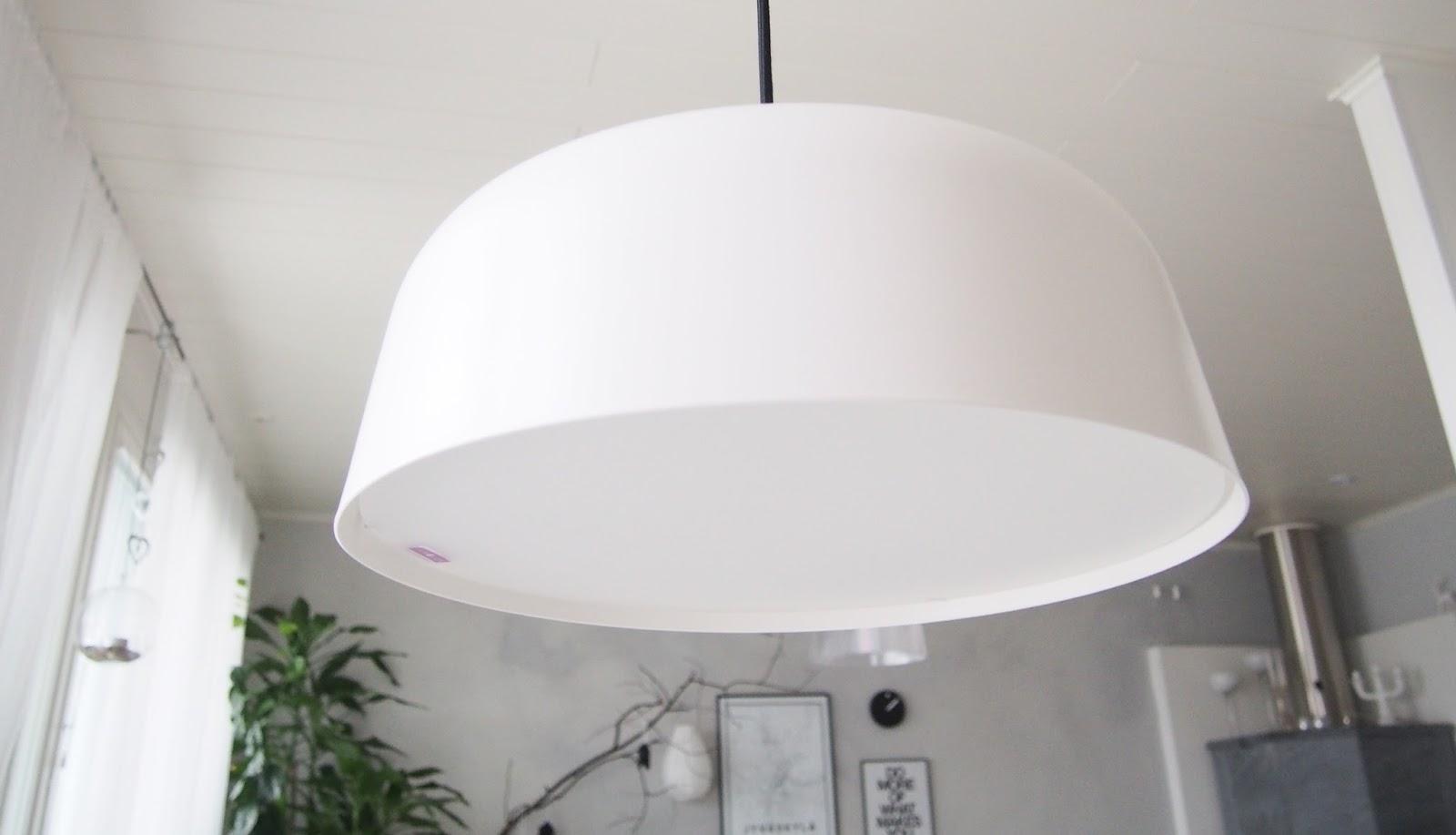 Keittiön loistava lamppu kirkasvalolaite!  Valkoisen