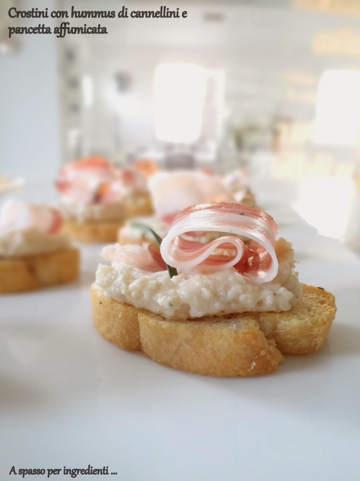 velocissimi: crostini con hummus di cannellini e pancetta affumicata