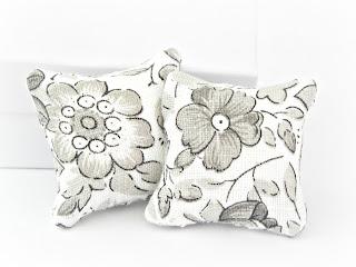 Miniature cushions