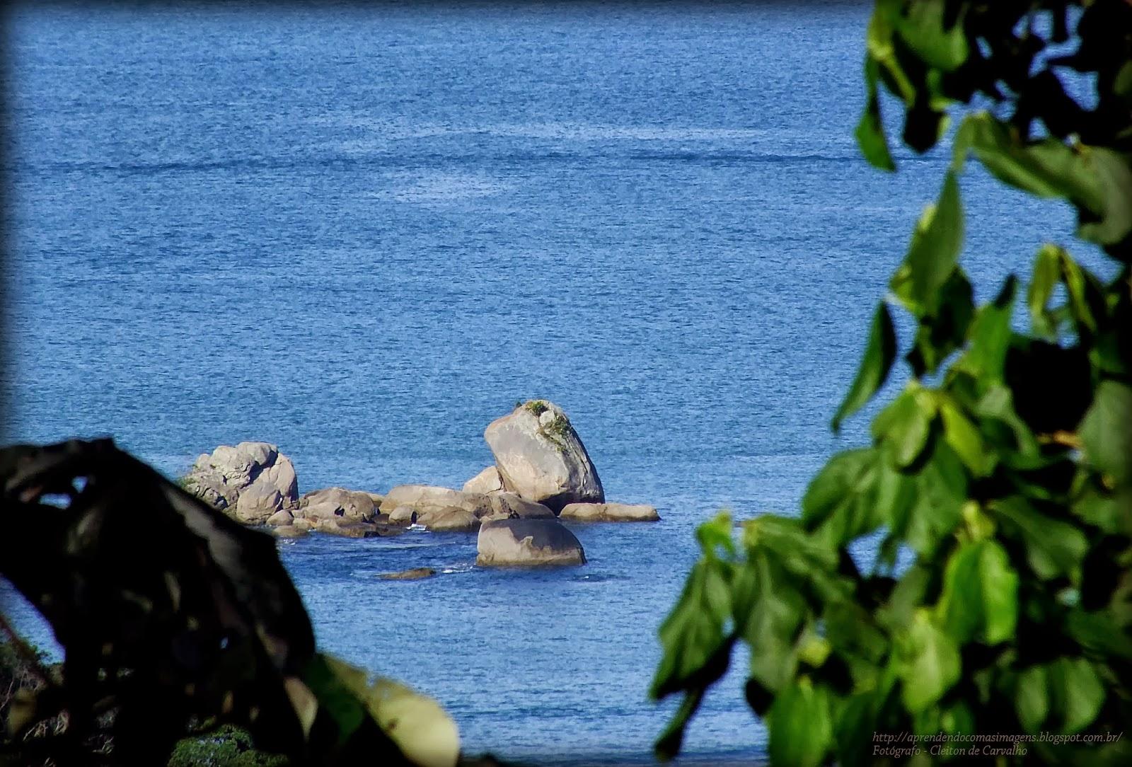 http://aprendendocomasimagens.blogspot.com/2013/10/uma-visao-ampla-de-um-horizonte-marcada.html - Mesmo em uma simples imagem, tem aquela que nos revela alguma surpresa imaginária. A imaginação não se acha no olhar e sim ao enxergar...