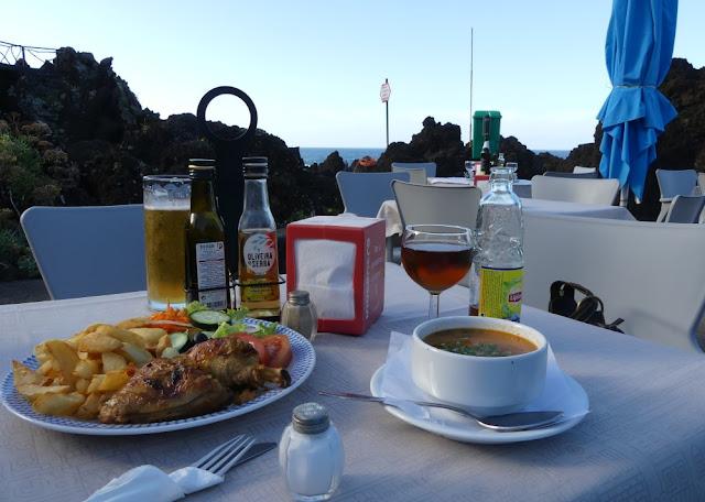 Mittagessen in Porto Moniz, Madeira
